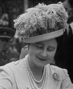 queen mother in Aage design